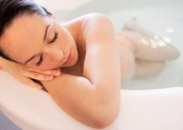 Dolori del parto l 39 aromaterapia pu aiutare - Bagno caldo in gravidanza ...