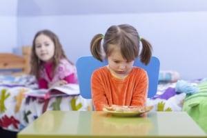 bambina-non-mangia