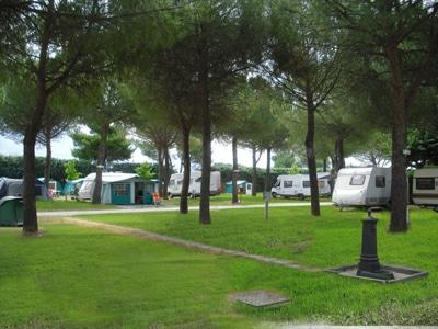 foto-camping1-FILEminimizer