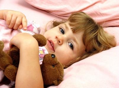 bambina_letto
