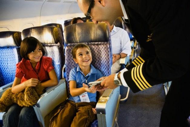 bambini-aereo-010