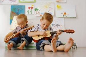 bambini-chitarra-musica.1500x1000