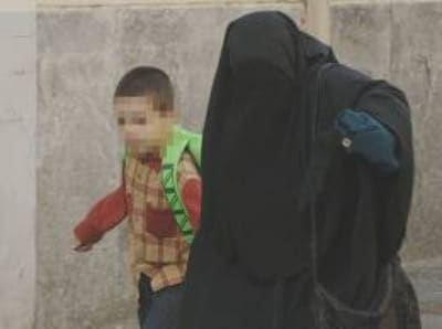 mamma-burqa-bambino