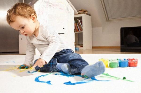 10 giochi intelligenti e super economici per bimbi da 1 a for Giochi per bambini di un anno