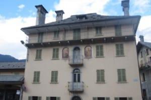 Malesco-palazzo-storico400.JPG.1500x1000