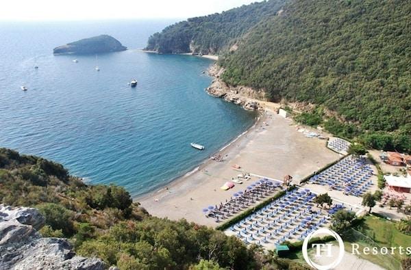 Village_Club_Ortano_Mare__Toscana.jpg.180x120