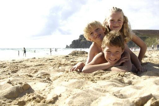 bimbi_spiaggia.jpg