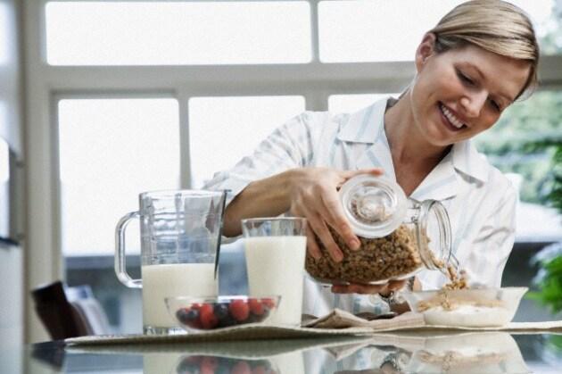 donna_colazione