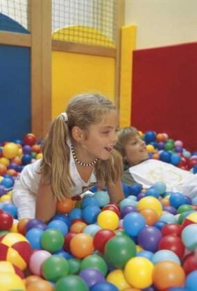 sala_giochi-hotel-merano400