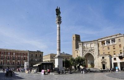 Lecce_Piazza_santo_oronzo.jpg