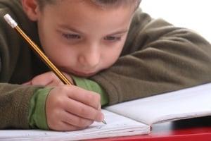 bambino-compiti.180x120