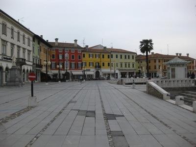 Piazza_grande_2.JPG