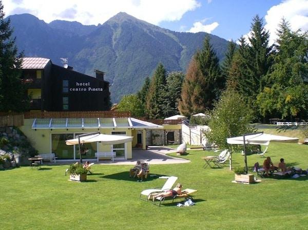 Centro_Pineta_Family_Hotel_Wellness_Trentino_Pinzolo.jpg.180x120