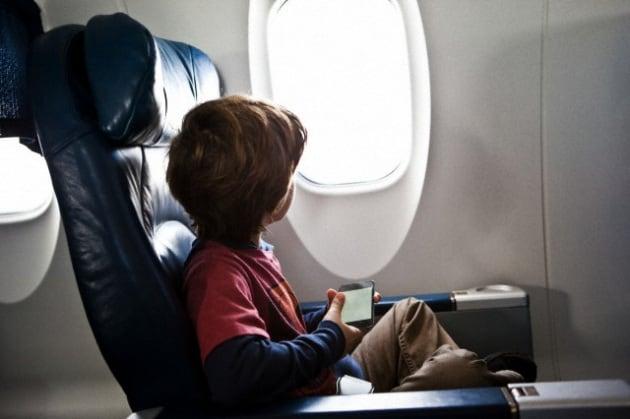bambini-aereo-016