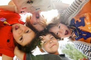 bambini_gruppo_viziati.180x120
