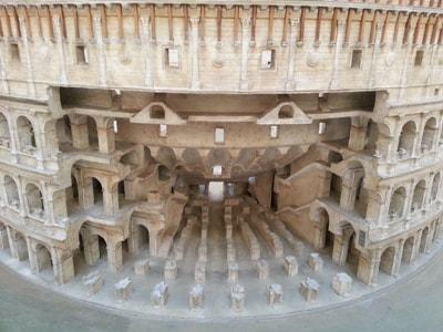 l-MU_Civ_Rom_Colosseo_schema_400