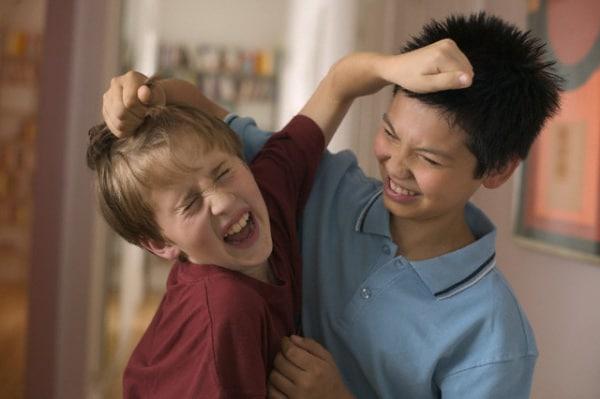 La perdita di capelli rafforzata a massaggio della testa