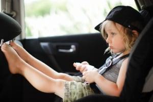 bambina-automobile