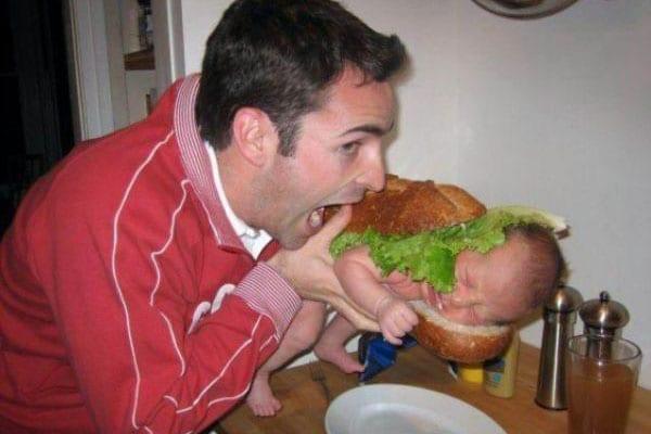Non-lasciare-il-bambino-da-solo-con-il-papa-33