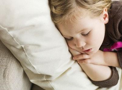 bambina_dorme.180x120