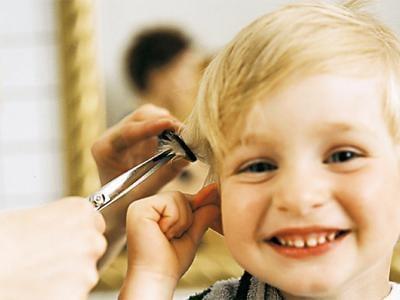 Taglio capelli bambina 1 anno