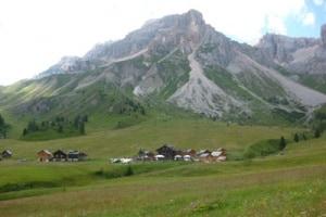 Paesaggio-Sentiero-Passo-San-Pellegrino-9.JPG.1500x1000