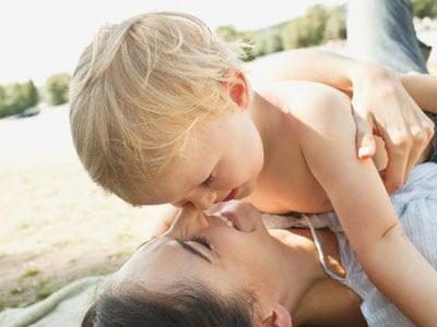 bambino-mamma-mare