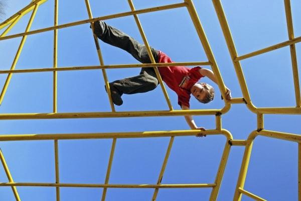 Sondaggio: come/quando/dove gioca il tuo bambino? Rispondi alle domande