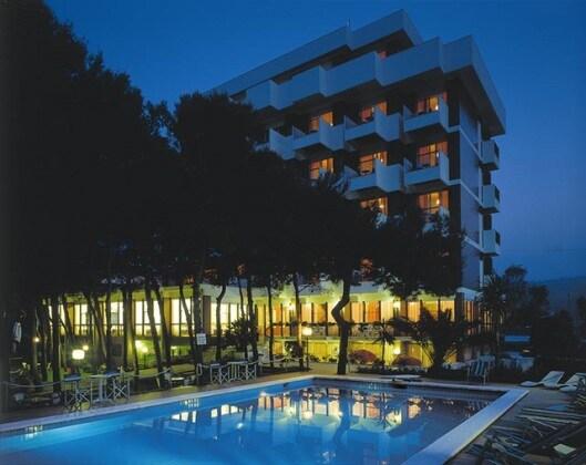 I 120 migliori alberghi in italia per famiglie con bambini - Hotel con piscina abruzzo ...
