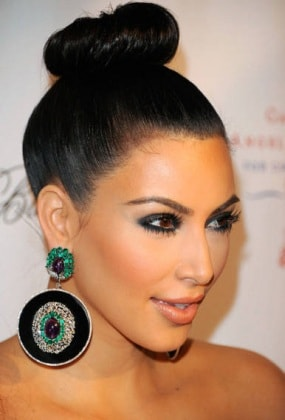 kim-kardashian-chignon-alto