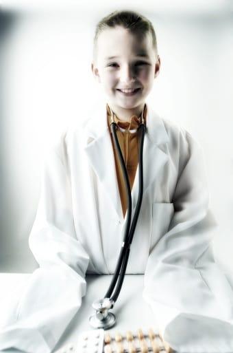 Farmaci e bambini, il 40% dei genitori sbaglia i dosaggi