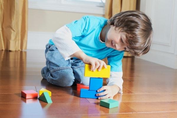 I giochi che fanno bene all'intelligenza dei bambini, secondo Raffaele Morelli