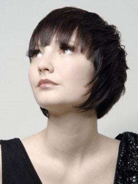 Taglio semi corto capelli ricci