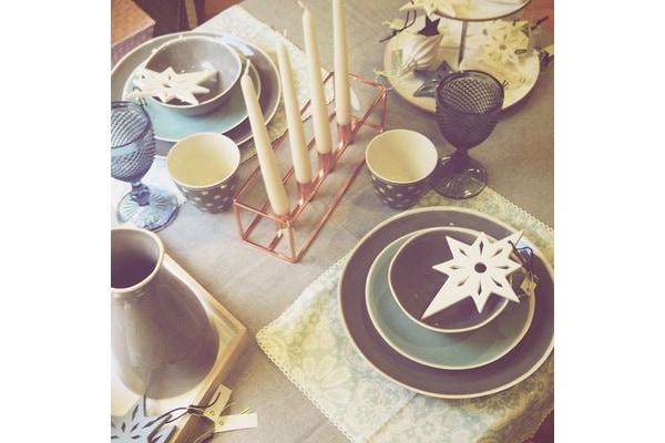 Come apparecchiare la tavola per le feste 15 idee e consigli - Apparecchiare la tavola bicchieri ...