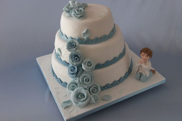 Prima comunione e cresima 30 idee per la torta for Decorazione torte prima comunione