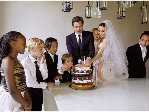 zp-7-the-jolie-pitt-family-wedding-album-posters-print-art-decorations-gift-12x18-inches-500x375c