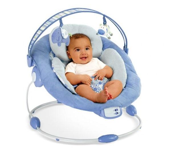 Sdraietta neonato, da quando si può usare? Fa male alla schiena ...