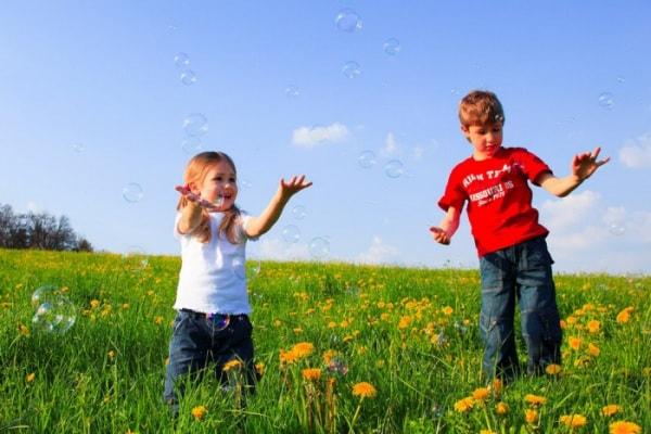 gioco aria aperta bambini