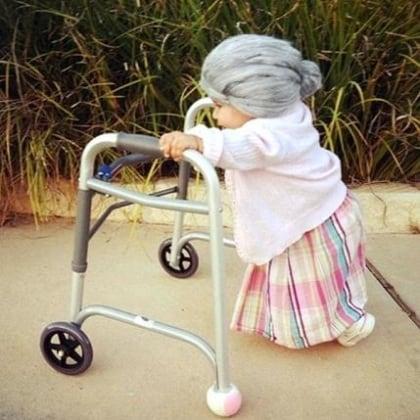slide-4-old-lady_113880