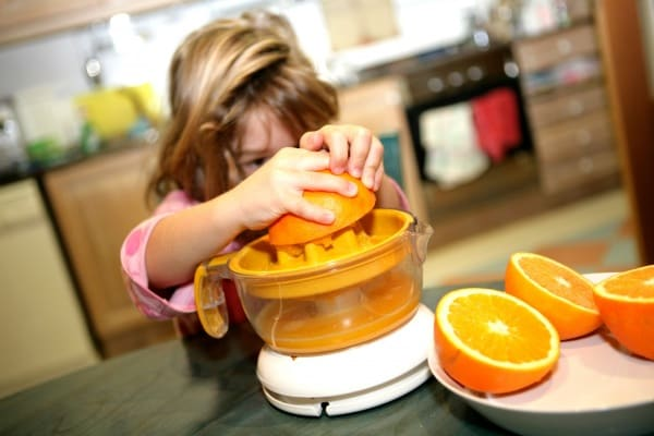 10 idee e consigli per far mangiare la frutta ai bambini