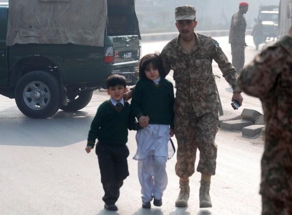 strage pakistan bambini