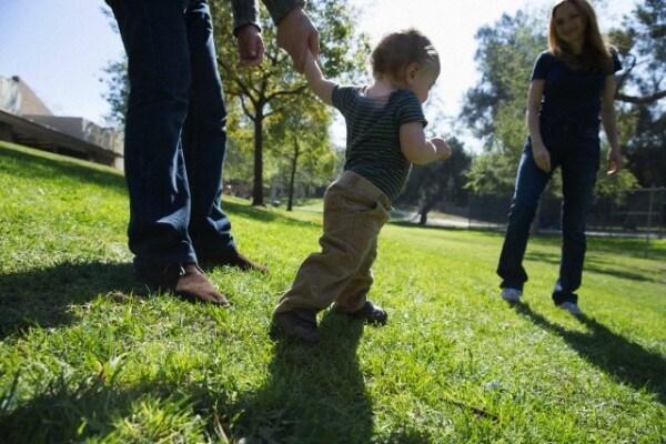 bambino primi passi