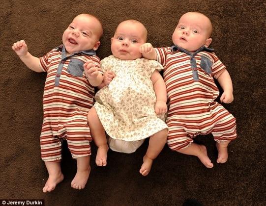 Avere 4 Figli In 9 Mesi Le Foto Della Mamma Inglese