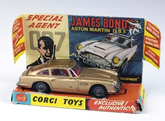 james-bond-aston-martin-1965