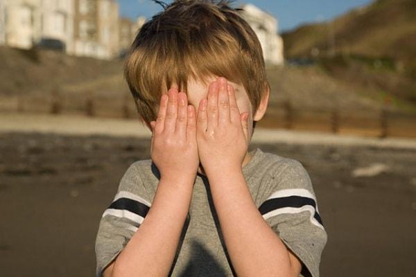 Sos: mia figlia ha paura degli altri bambini