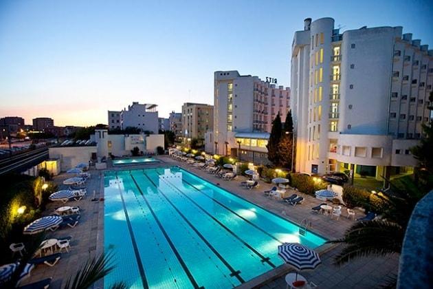 I 120 migliori alberghi in italia per famiglie con bambini - Hotel con piscina senigallia ...