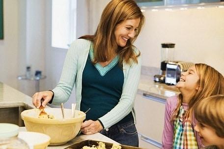 mamma-e-figli-in-cucina.180x120
