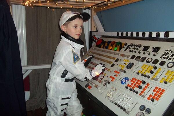 9.-Cameretta-modello-astronave