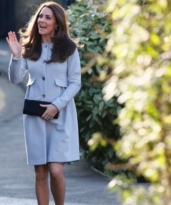 kate-middleton-arrives-to-attend-a-coffee-morning-at-family-friends-charity