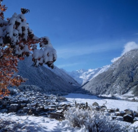 143ed78c34 Ai piedi del Gran Paradiso e immersa in un parco nazionale, Cogne (Ao)  attira ogni inverno appassionati di neve e montagna, ma anche tante famiglie  in cerca ...
